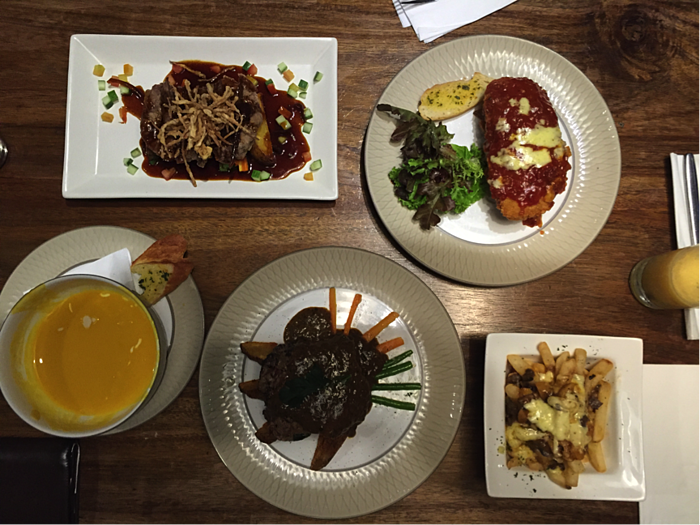 meal at saka restuarant Bandung